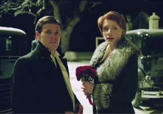 Willem Dafoe e Bryce Dallas Howard in una scena del film Manderlay (2005)