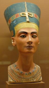 Busto di Nefertiti - 1345 a.C. circa - Neues Museum, Berlino