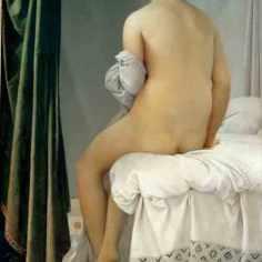 """Jean-Auguste Dominique Ingres (1780-1867) """"La grande bagnante"""", 1808 La ricerca di perfezione formale di Ingres si ispira, tra le altre, all'opera di Raffaello. L'equilibrio in questo quadro non è dato soltanto dall'eleganza del tratto e dal disegno di partenza, ma anche da tutto un sistema di richiami cromatici: il bianco e il rossiccio del turbante sono ripresi rispettivamente l'uno dal letto, dallo sfondo e dal panno ai piedi della bagnante, l'altro dal panno a terra e dai ricami della tenda; il verde della tenda riprende i toni dei ricami del lenzuolo e delle ombre nel quadro. I toni della pelle sono ripresi nell'accenno di pavimento in basso a sinistra."""