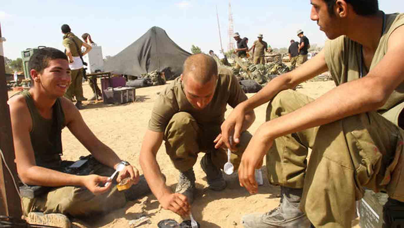 israeli-soldiers-break