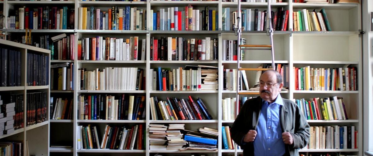 L'antibiblioteca di Umberto Eco: perché i libri che non leggiamo hanno più valore di quelli che leggiamo