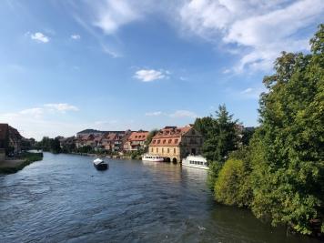 La kleine Venedig vista dall'Untere Brücke. L'edficio in primo piano sulla destra è l'ex-macello.